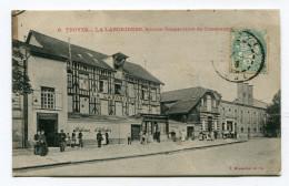 CPA  10  :   TROYES   La Laborieuse  Rue Animée   VOIR  DESCRIPTIF   §§§ - Troyes