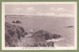 CPSM Vue Peu Courante - VENDEE - BRETIGNOLLES SUR MER - L'ANSE VERS LA PAREE - Jehly Poupin / 82 - Bretignolles Sur Mer