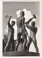 Helsinki - 'Three Smiths' Sculptural Work - 'Kolme Seppää' Veistos - 'Tre Smeder' Skulpturverket - Finland / Suomi - Finland