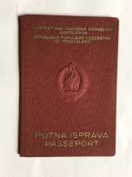 PASSAPORTO        PASSPORT    REISEPASS  1959.    YUGOSLAVIA    VISA TO : WEST GERMANY , HUNGARY , CZECHOSLOVAKIA , - Historische Dokumente