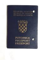 PASSAPORTO     PASSPORT  REISEPASS  CROATIA - Historische Dokumente