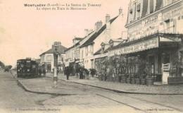 MONTLHERY La Station Du Tramway, Le Départ Du Train De Marcoussis - Montlhery