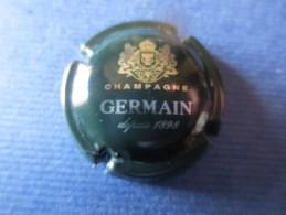 GERMAIN Vert Foncé Et Argent. Petites Lettres - Germain