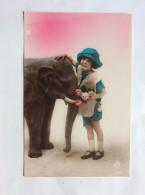 ELEPHANT   Girl    Old Postcard - Elephants