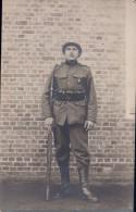Fotokaart Carte Photo Kamp Beverloo  Soldaat Militair  Geweer Uniform 1920 Souvenir Du Camp De Beverloo - Leopoldsburg (Camp De Beverloo)