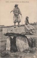 29 - L'Archi Druide Du Ménez Hom - Plomodiern