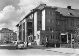 CPSM BANSKA  BYSTRICA. Hotel OLDAVIO. Voiture. - Slovakia