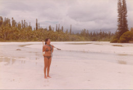 REAL PHOTO, Bikini Pretty Woman   Beach , Femme En Maillot De Bain, Plage, ORIGINAL - Non Classés