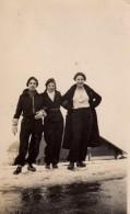 Photo Originale Femme - 3 Pin-Up Randonneuses à Megève Sur La Neige En Tenues D'escalade - Linette Berulieine, Pierrette - Pin-Ups