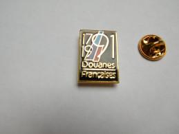 Beau Pin´s En EGF , Armée Militaire , Bicentenaire Des Douanes Françaises , 1791 - 1991 , Signé Winner - Militaria
