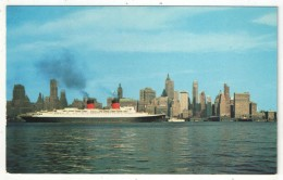 Downtown Skyline With S. S. ILE DE FRANCE, New York City - Multi-vues, Vues Panoramiques