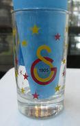 AC - GALATASARAY SPORTS CLUB FOOTBALL SOCCER SHOT GLASS #1 FROM TURKEY - Verres