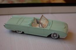 31-139. Coche Ford Thunderbird 1961, Escala 1/43. Solido - Solido