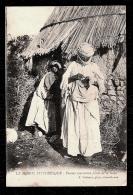CPA ANCIENNE- AFRIQUE- LE MAROC PITTORESQUE- FEMME MAROCAINE FILANT LA LAINE- GROS PLAN - Unclassified