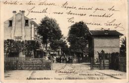 AULNAY Sous BOIS (93) Passage à Niveau Et Avenue Du Chemin De Fer - Très Très Rare - Carte Postée - Aulnay Sous Bois