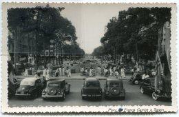 - 136 - Indochine - Viet-Nam - Saigon- Place Francis Garnier, Automobiles, écrite En 1952, Glacée, TBE, Scans. - Viêt-Nam