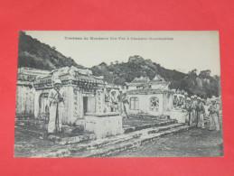 "TONKIN / VIET NAM / CHAUDOC  / HO CHI MINH VILLE /   1905  TOMBEAU DU MANDARIN  ""VIN THE "" AVEC SOLDATS   CIRC OUI - Viêt-Nam"