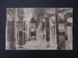Ex-CAMBODGE - ANGKOR-VAT - Galerie En Croix Entre Le Premier Et Deuxième étage - Piliers Monolithes - Cambodia