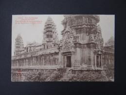Ex-CAMBODGE - ANGKOR-VAT - Tour D'angle Et Soubassements De La Deuxième Galerie Ouest - Cambodia