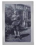 Photo Amateur : Soldat à La Cigarette - Guerre, Militaire