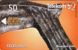 SLOVENIA SLOVENIJA PHONECARD 1999 BRONASTA DOBA BRONZE AGE SICKLE ARCHEOLOGICAL FINDINGS  TELEKOM  CAT.NO. 269 - Slovénie