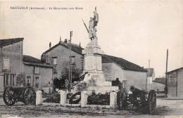 Machault Monument Aux Morts - Autres Communes
