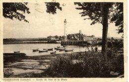 N°498 E -cpa Ouistreham Riva Bella -entrée Du Port Et Le Phare- - Ouistreham
