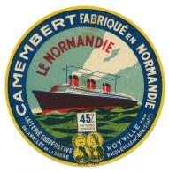 Ancienne Etiquette Fromage Camembert  Fabriqué En Normandie  Le Paquebot Le Normandie  Royville - Fromage
