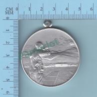 Tir Pigeon Argile - Stokes Melbourne Autralia -  5.5 X  4.8 X 0.5 Cm  20 Grammes - 2 Scans - Sports