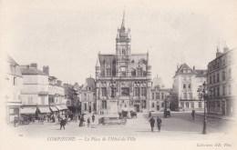 COMPEIGNE -LA PLACE DE L'HOTEL DE VILLE - Compiegne