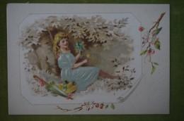 Chromo Gaufrée, Fille Assise Aux Fleurs; Habits (robe Bleu) En Tissus Brodé - Unclassified