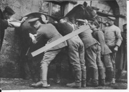 Cavalerie Allemande Soldats Des Services Vétérinaires S'occupant D'un Cheval 1 Photo Allemande 1914-1918 14-18 Ww1 Wk1 - War, Military
