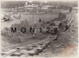 LES MUREAUX - PHOTO ORIGINALE 23X17 CMS - CONSTRUCTION DU PONT  ILE BELLE - N° 26 -19/9/1951 EVACUATION DES DEBLAIS - Lugares