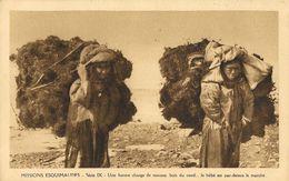 Missionnaires Oblats De Marie Immaculée, Missions Esquimaudes, Série IX, Une Bonne Charge De Mousse - Carte Non Circulée - Missions