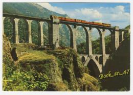 {76146} En Parcourant La Cerdagne , Le Pont Séjourné Et Le Curieux Petit Train Cerdan - Trains