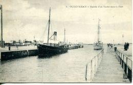N°571 E -cpa Ouistreham  -entrée D'un Yacht Dans Le Port- - Commerce