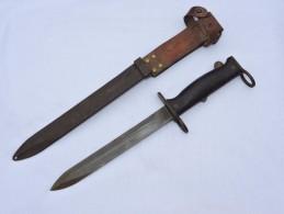 BAIONNETTE FUSIL MAS 49-56 --  TRES BON ETAT ++  Datée 1963 - Knives/Swords