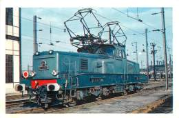 CARTE POSTALE : TRAIN . LOCOMOTIVE TYPE BB 12.000 . 25 KV MONOPHASE 50 HZ . - Trains