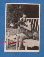 Photo Ancienne - Portrait D'une Jeune Fille & Son Beau Chien - Girl Dog Hund - Race à Identifier - Pose Mode Vintage - Photos