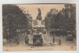 CPSM PARIS 3°, 10° ET 11° ARRONDISSEMENT - La Statue De La République - Paris (03)