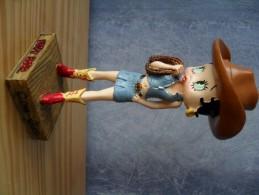 Figurine Résine Betty Boop Cow-girl 15 Cm, Cartoons - Autres