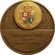 PORTUGAL. MEDALLA CONFERENCIA ANUAL DE LA ACADEMIA ALTOS ESTUDIOS IBERO-ÁRABES. 1.997 - Profesionales / De Sociedad