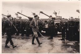 PHOTO Dentelée (12,5 X 8,5cm) - Passage En Revue De Légionnaires Devant Leurs Chars De Combats // TBE - Krieg, Militär