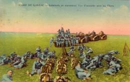 Camp Du Larzac  -  Infanterie  En Manoeuvre Avec Chars   -  Tanks   -  CPA - Guerre 1914-18