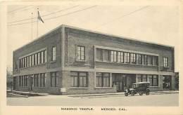 - Themes Divers -ref-M693-  Franc-maçonnerie - Masonic Temple - Merced - Caifornie - Etats Unis - Voiture - Automobile - - Cartes Postales