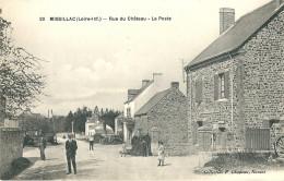 CPA 44 MISSILLAC RUE DU CHATEAU LA POSTE ANIMEE - Francia