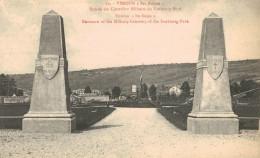 VERDUN.Ses Ruines : Entrée Au Cimetiere Militaire Du Faubourg Pavé - Verdun