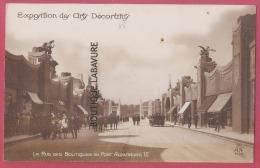 75 - PARIS--Exposition Des Arts Décoratif--La Rue Des Boutiques Du Pont Alexandre III---animé - Expositions