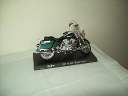 "Harley Davidson(1997 FLHR  Road King) ""Maisto""  Scala 1/18 - Moto"