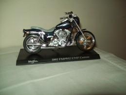 "Harley Davidson (2002 FXDWG CVO Custon) ""Maisto""  Scala 1/18 - Motos"